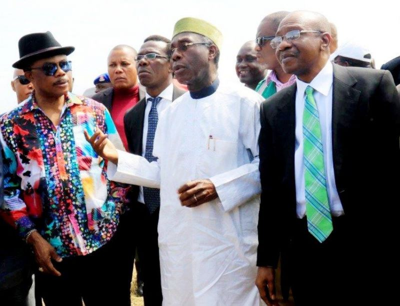 L-R Anambra state Governor, Chief Willy Obiano, Minister of Agriculture, Chief Audu Ogbe, CBN Governor, Mr Godwin Emefiele during the inspection tour of the Rice farms under the Anchor Borrowers Programme in Anambra state on Thursday, October 19, 2016.