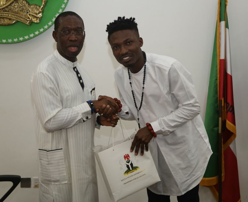 Delta State Governor, Senator Ifeanyi Okowa (left) and the winner of Big Brother Naija, Mr. Efe Ejeba, during a courtesy call on the Governor in Asaba, Delta State on Thursday, 11th May, 2017.