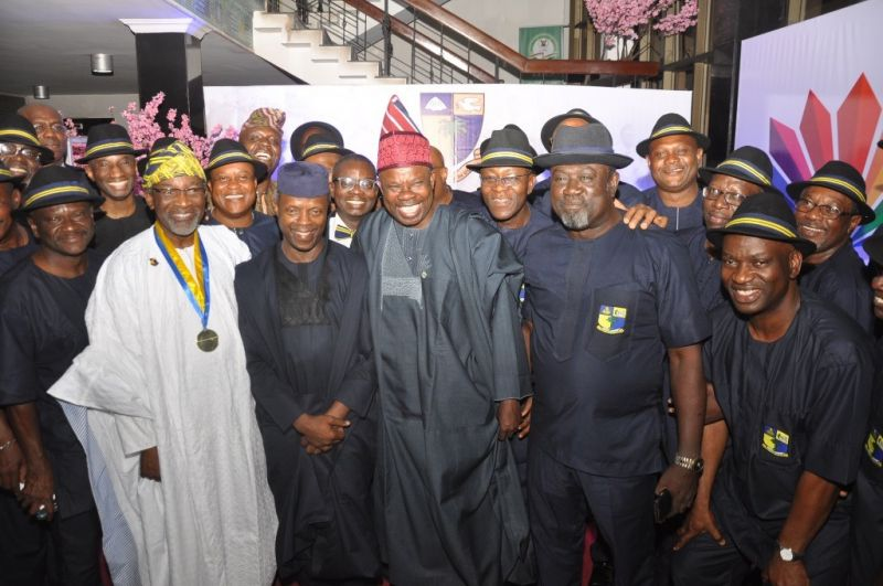 VP Yemi Osinbajo (3rd R), Ogun State Governor Ibikunle Amosun (3rd L), President, Igbobi College Old Boys Association, Foluso Phillips (L),Chief Chris Ogunbanjo, Prof. Emeritus Ayodeji Banjo, Otunba Subomi Balogun and wife, Abimbola Balogun (R), during the 2015 6th Annual Christmas Dinner of the association held at the City Hall, Lagos.