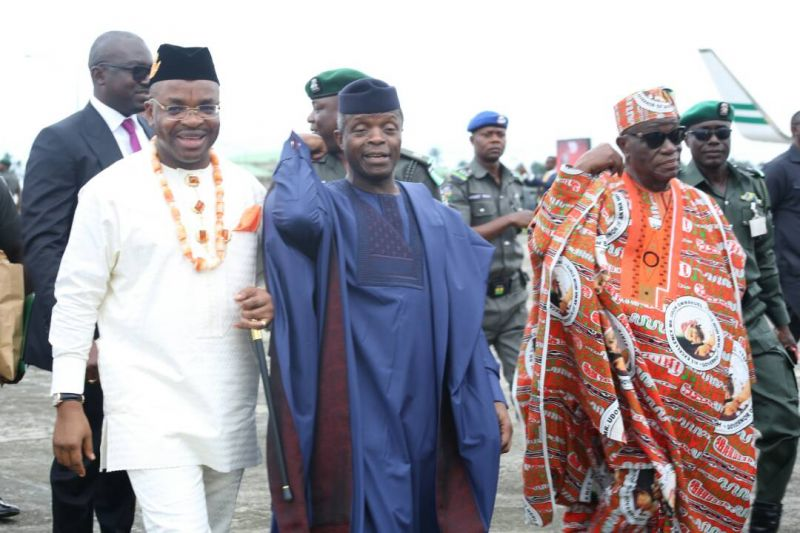 Nigeria's Vice President, Prof. Yemi Osinbajo (middle), Akwa Ibom State Governor Mr Udom Emmanuel (left), his Deputy Mr. Moses Ekpo (right), during the Vice President's Visit to the state for inauguration of development projects to commemorate the 30th Anniversary celebration of the state creation.
