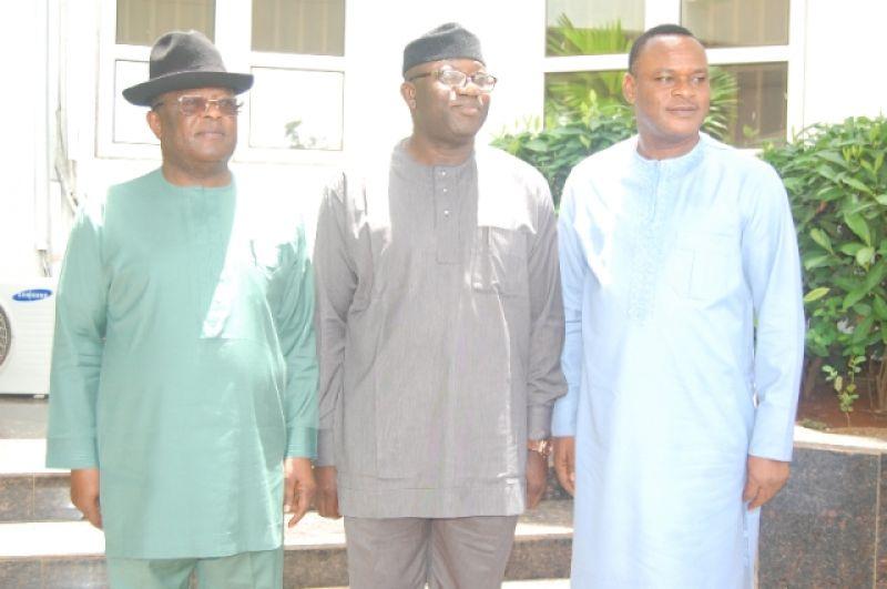 L-R: Ebonyi State Governor, Engr. David Umahi; Minister of Solid Minerals Development, Dr. Kayode Fayemi; and Ebonyi State Deputy Governor Kelechi Igwe, during the minister's working visit to Ebonyi State on Monday. Photo: EBSG
