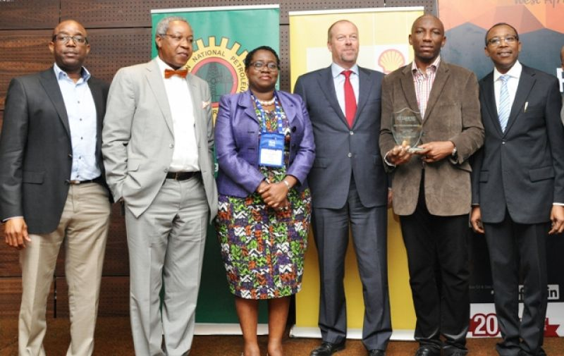 L-R: General Manager, Nigeria Content Development of  Shell Petroleum Development Company, Mr. Chiedu Oba; Director, Fortune Engineering and Energy Services, Mr. Osten Olorunsola; Communications Manager, Shell Nigeria Exploration and Production Company, Mrs. Sola Abulu; GM Deepwater of SNEPCo, Mr. Milan Hendrikse; Winner of Best Presentation Award at the just concluded Offshore West Africa Conference and SNEPCo's Hardware Engineer, Mr. Gary Ayenor; and SNEPCo's Project Portfolio Manager, Mr. John Eweje, at the closing ceremony of the OWA conference in Lagos ...on Thursday