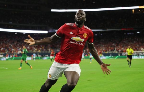 Lukaku double fires Man United to EPL winning start