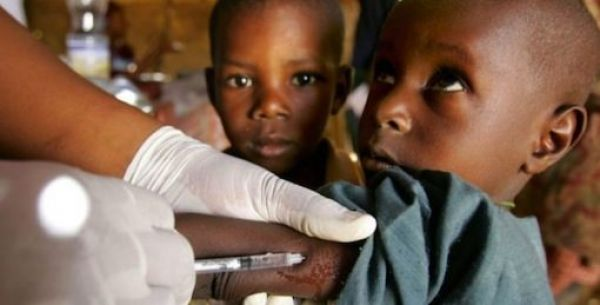 •A child undergoing vaccination