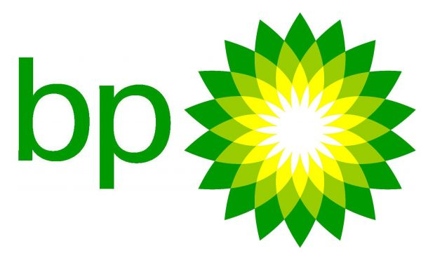 BP battles to get leaking oil well under control