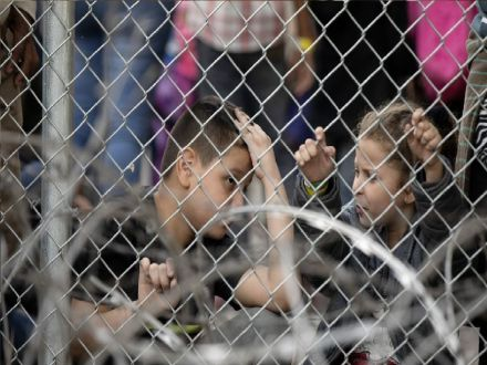 More than 100,000 children in migration-related U.S. detention: UN