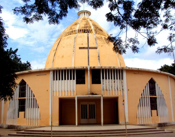 Angola shuts 34 churches