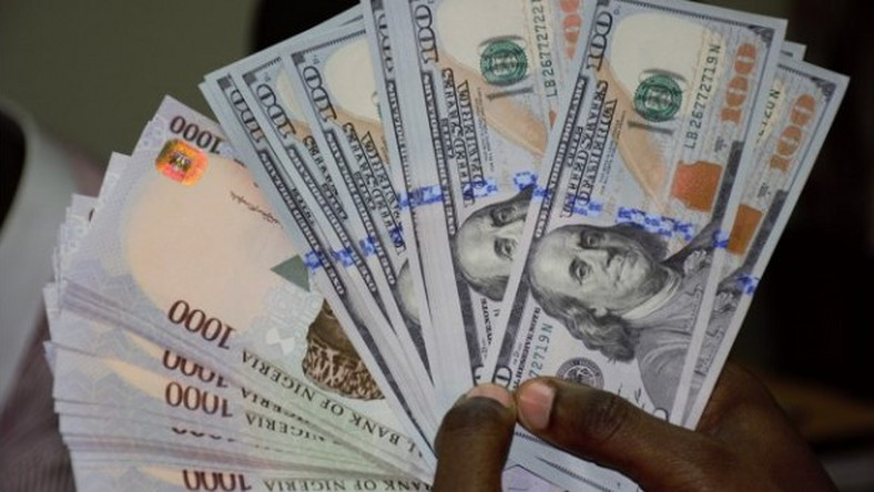 CBN floods forex market with $303.9m ahead of Yuletide •Sets aside $229.89m for raw materials and machinery