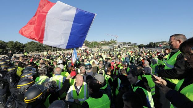 Fuel protests take deadly turn in France