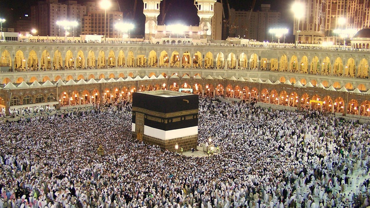 Hajj: Nigerians go gaga over diamond teeth