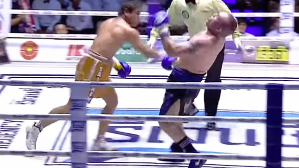 Boxer dies after knockout in title match